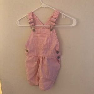 Oshkosh pink and white striped short all's size 4t